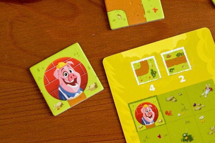 Pig Puzzle components